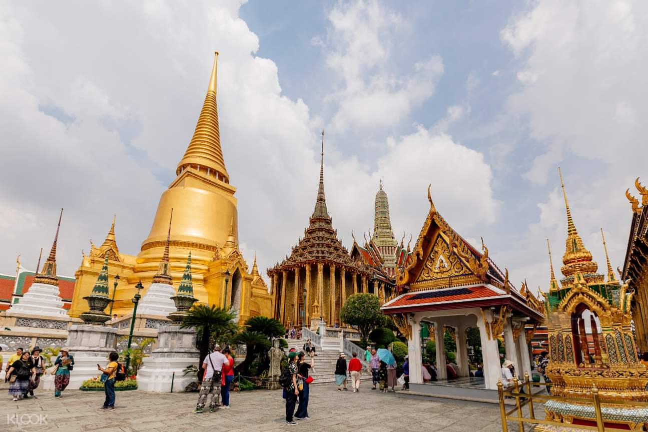 buildings and temples in grand palace
